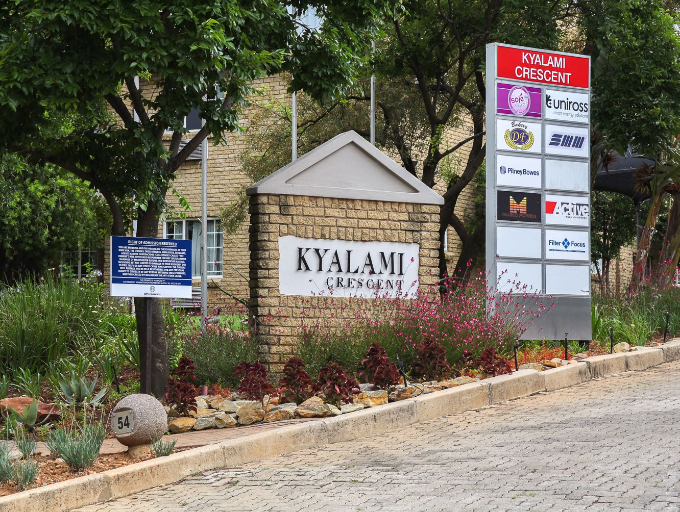 Kyalami Crescent Gallery Big 1